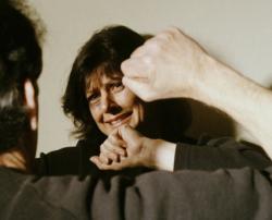 Жен надоел маленкый член мужа и она его изменила с другим
