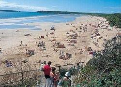 Пятизвездочная деревня в Уэльсе устояла перед кризисом