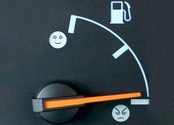 К июлю бензин в России подорожает на 1,5 рубля
