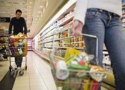 Почему продукты дорожают, и кто за это платит