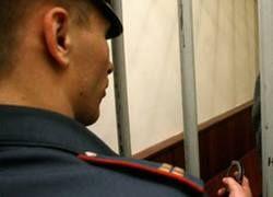 Милиционер получил условный срок за пытки подростка