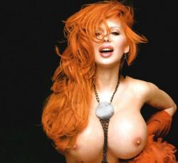 10 способов зрительно приподнять грудь