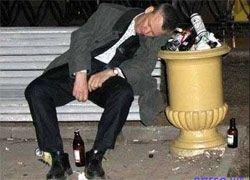 Половина смертей в России - от пьянства
