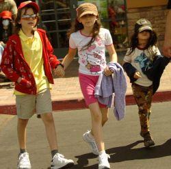 Кому достанется опека над детьми Майкла Джексона?