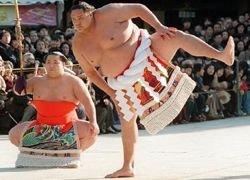Необычный забег сумоистов
