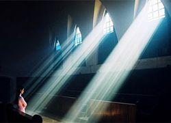 Коррупция ведет людей в церковь