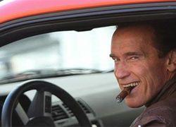 Арнольд Шварценеггер распродает казенный автопарк