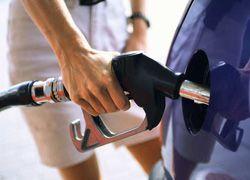 Бензин подорожал почти на 10%