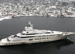 Самая дорогая яхта Абрамовича построена для Кремля
