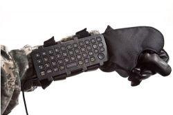 iKey представила клавиатуру-перчатку для солдат