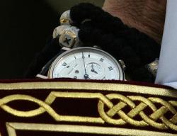 Кирилл носит часы стоимостью около 30 тысяч евро