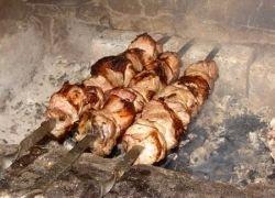 Как выбрать и замариновать мясо для шашлыка
