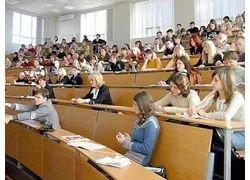 Студентам будут выплачивать стипендию до первой сессии
