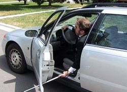Авто для слепых выходит на трассу