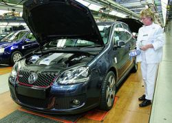 Российский завод Volkswagen возобновил производство