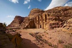 В Иордании процветал пещерный город Петра