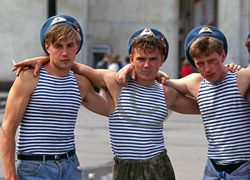 Питер:  драка десантников с азербайджанцами