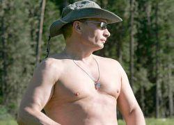 Владимир Путин плывет стилем крутого парня