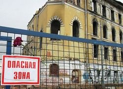Почему Лужков разрушает исторические памятники?