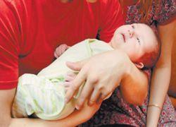 В Индии младенцу с сердцем наружу сделали операцию