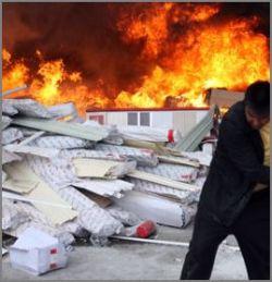 Пьяный сварщик устроил пожар у Дома правительства