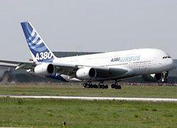 Лайнер A380 вернулся в Париж из-за отказа двигателя