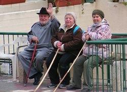 Россияне все меньше хотят работать на пенсии