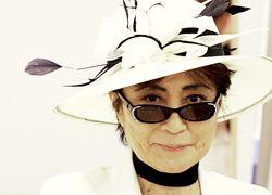 Американская компания требует от вдовы Леннона $6,3 млн