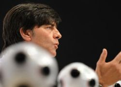 Тренер сборной Германии назвал состав на матч с Россией
