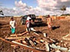 Жители Самоа пытаются вернуться к нормальной жизни