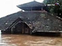 В Индии ликвидируют последствия наводнения века