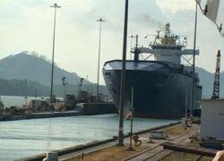 Российские экипажи двух судов взывают о помощи