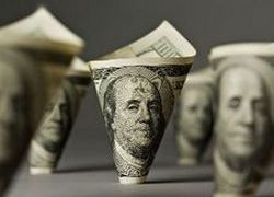 Доллар рухнул ниже 30 рублей