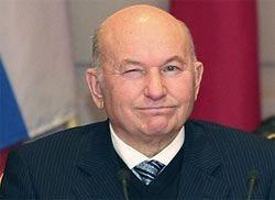 Лужков обещает открыть Большой театр в 2011 году