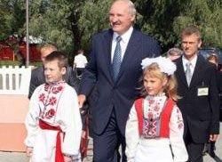 Лукашенко: в школе не должно быть перегрузок и стрессов