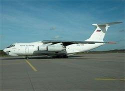 У военного Ил-76 перед взлетом оторвался двигатель