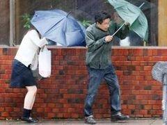 """От тайфуна \""""Мелор\"""" в Японии отменены сотни авиарейсов"""