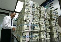 Банки проводят интервенции в пользу доллара
