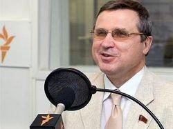 Депутат Смолин подложил Митволю траурный венок