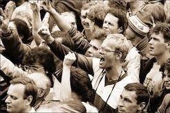 В центре Москвы митингуют оппозиция и их оппоненты