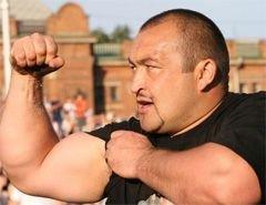 Самый сильный человек в России перевоплотился в бурлака