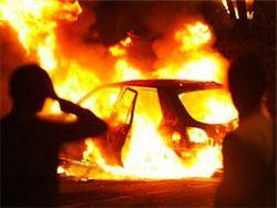 В Магадане горят депутатские автомобили