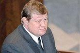 Устинов вылетел в Дербент из-за беспорядков на выборах