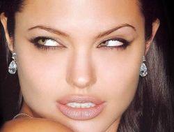 Анджелина Джоли заменит Шарлиз Терон