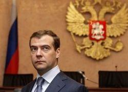 Борьбу с безработицей Медведев считает главной задачей