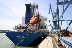 Почему ни один порт не хочет принимать Arctic Sea
