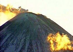 Ключевская сопка на Камчатке разбрасывает магму