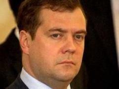 Медведев поговорил с лидерами ЛДПР и КПРФ