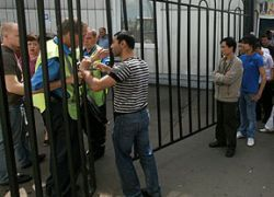 Торговцы требуют открыть Черкизовский рынок