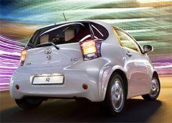 В России начались продажи микролитражки Toyota iQ